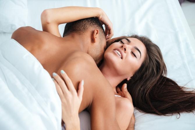 Секс мужчина и женщина видиоролик